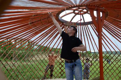 stavba (tvoření) jurty